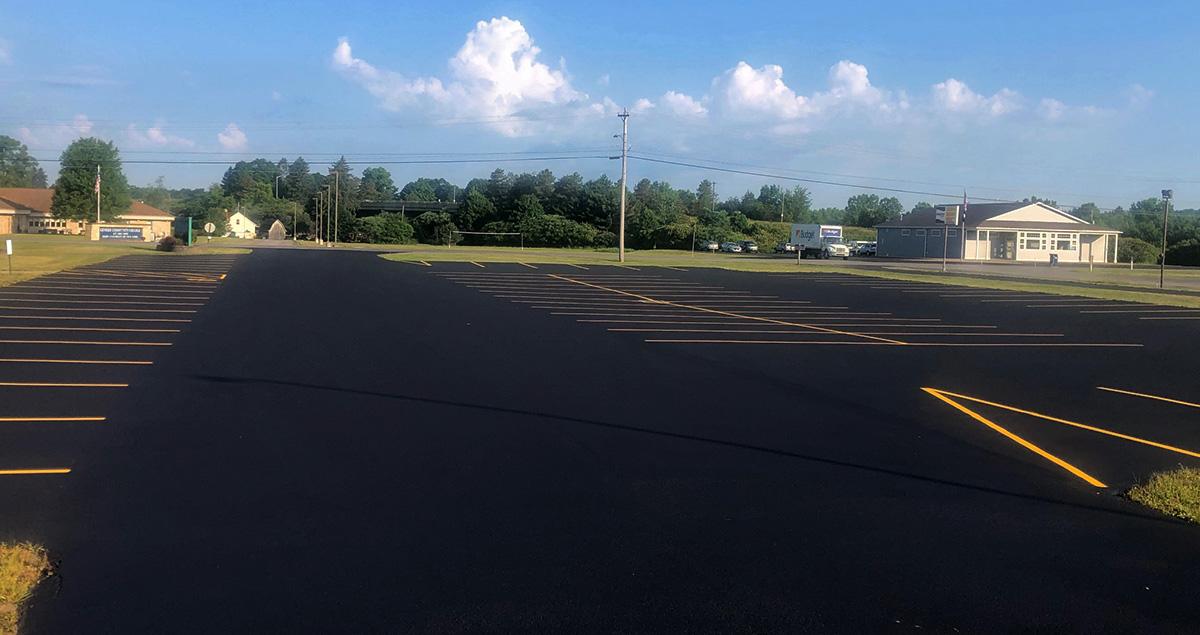 asphalt sealing, asphalt sealcoating, parking lot sealing, parking lot sealcoating
